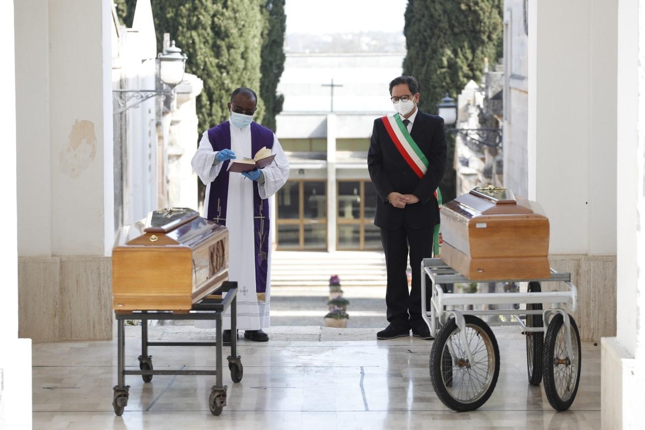 Il sindaco ricorda Mauro e Ninuccio, vittime del COVID-19