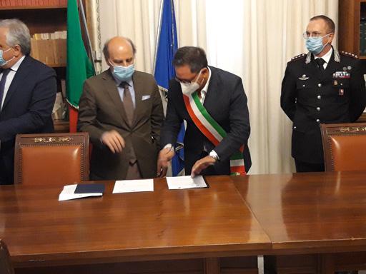 Firmato il protocollo per il Controllo del Vicinato