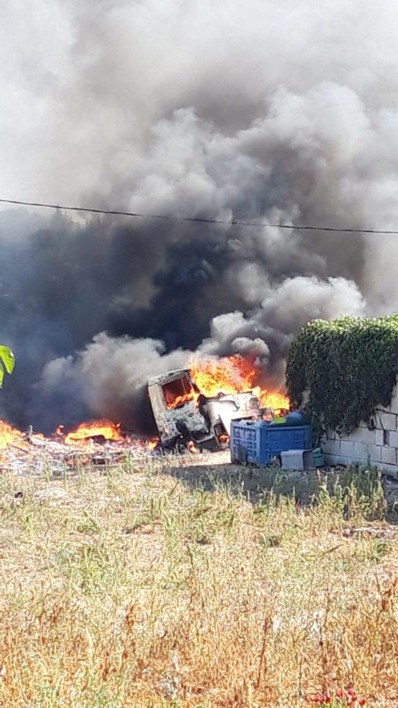 Incendio in contrada Carperi a Cisternino