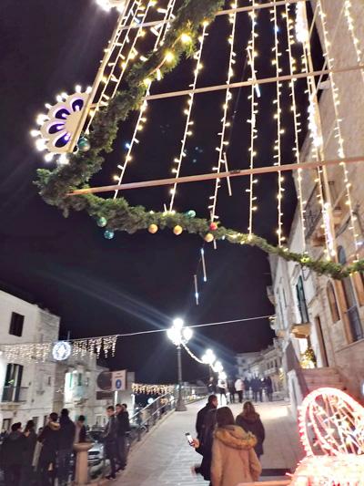 Le luminarie di Natale a Cisternino