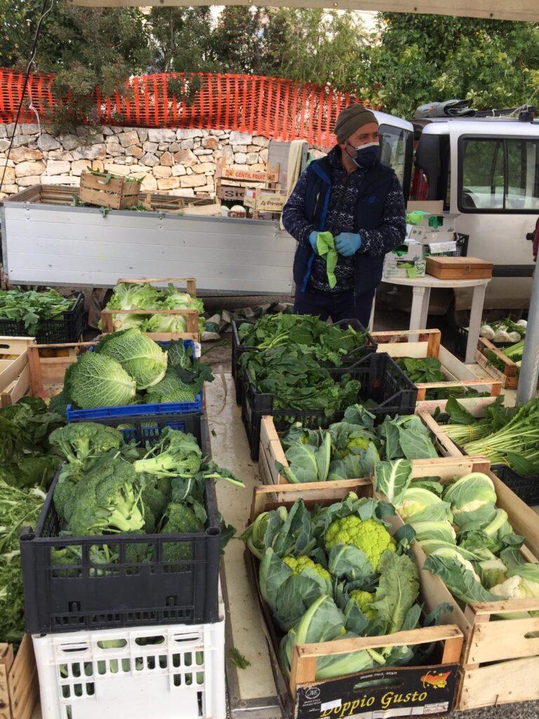il mercato agricolo di Cisternino