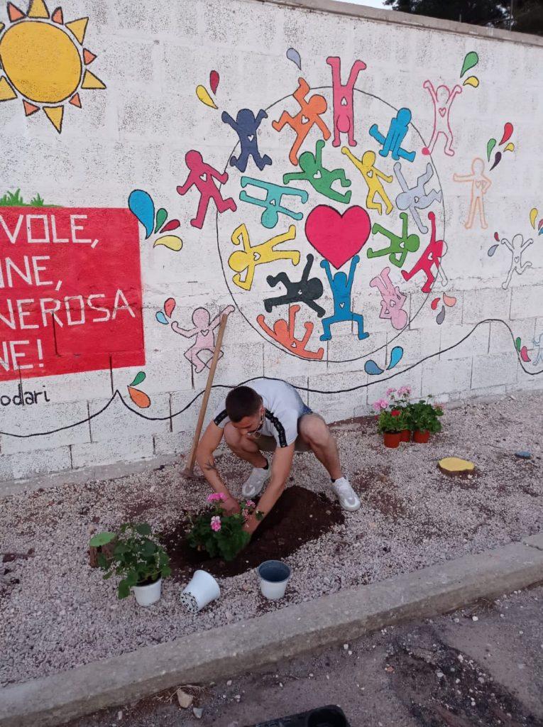 Il murales dei ragazzi della comunità di Cisternino